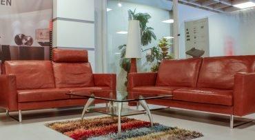 Sofa in Handarbeit gefertigt